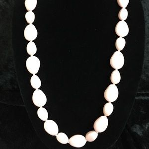 Jewelry - Vintage Pale Pink Beaded Necklace